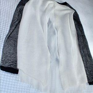finn & clover Sweaters - 🍃Finn and Clover🍃Black and white v-neck sweater
